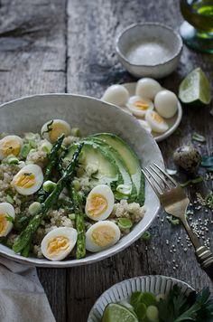 Sabores y Momentos   Ensalada de quinoa, aguacate y espárragos a la plancha   http://saboresymomentos.es