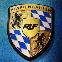 RUF Automobile GmbH (@rufsince1939) • Instagram-foto's en -video's Porsche Cars, Porsche Logo, Porsche Modelos, Porsche Replica, Ruf Automobile, Bmw Wallpapers, My Christmas List, Collector Cars, Coat Of Arms