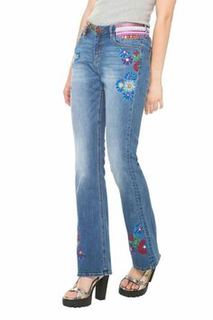 61D26F2_5053 Desigual Jeans Ethnic Flare, Floral Embroidery