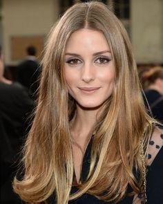 Olivia Palermo  2020 Marrone chiaro capelli & classico stile dei capelli.