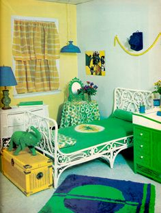 bedroom Find more green inspirations that will look perfect in kids bedrooms. More ideas at circ 70s Bedroom, Retro Bedrooms, Teen Girl Bedrooms, Retro Room, Vintage Room, Vintage Homes, Vintage Interior Design, Vintage Interiors, 70s Home Decor