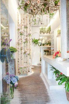 Iris Flowershop in Pta Dorobanti Bucharest <3 Architect: Mariana Bercu, Florist: Nicu Bocancea