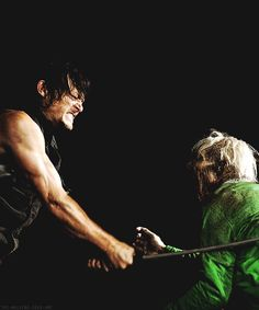 Daryl - The Walking Dead Walking Bad, Walking Dead Season 4, The Walking Dead 2, Walker Zombie, Daryl Dixon Walking Dead, Tv Doctors, Nerd, Stuff And Thangs, Staying Alive
