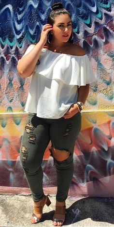 Take a look at the best best plus size jeans summer outfits in the photos… Curvy Outfits, Mode Outfits, Fashion Outfits, Fashion Trends, Summer Outfits Casual For Curvy Girls, Spring Outfits, Look Plus Size, Plus Size Women, Curvy Girl Fashion