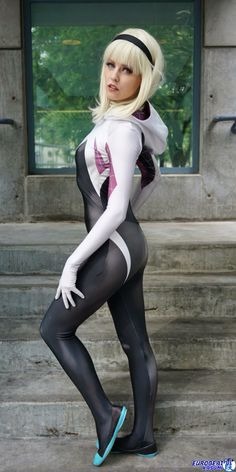 Character: Spider-Gwen (Gwen Stacy) / From: MARVEL Comics 'Edge of Spider-Verse' & 'Spider-Gwen' Solo Series / Cosplayer: Maid of Might Cosplay