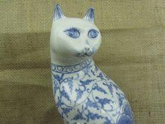 ♥※ Cat figurine, blue and #white, porcelain cat, home decor, #farmhouse dec... Take a http://etsy.me/2q3L09q