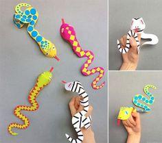 kézzel készített kígyó ujjbábok