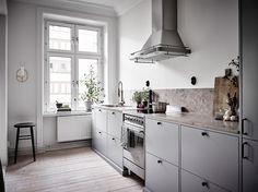 Die 16 besten Bilder von Oberschränke | Ikea kitchen, Grey kitchens ...
