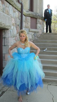 Prom Photo, Cinderella. If you love this pin cheack out the rest of my cinderella one of a kind prom photos.