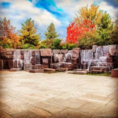 The FDR memorial in Washington DC is so beautiful and autumn leaves make it that much more special.  Be sure it is on your list when visiting #washingtondc
