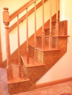Best Red Oak Stairs Hopefully There Will Be Hardwood Under The 400 x 300