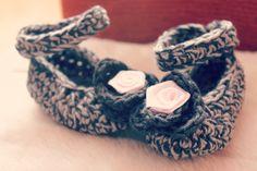 Crochet Mary Jane boots for newborn.
