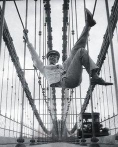Cecil Beaton's Self-portrait taken on the Brooklyn Bridge, 1929.