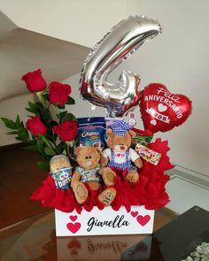 Valentines Day Baskets, Valentines Gift Box, Valentines Balloons, Bff Birthday Gift, Unicorn Birthday Parties, Birthday Balloons, Valentine Crafts, Bouquet Cadeau, Candy Bouquet Diy