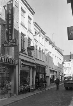 Breda. Korte Brugstraat 6-4-2. 1962.