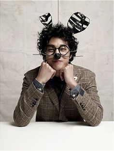 So Ji Sup :)   Birth date: Nov 4, 1977  Height: 182cm  Weight: 70kg  Blood type: O Education : Kwangsung middle school, Kwangsung high school, Korea National Sport University, ChungWoon University majored Acting Family: Mother and an older sister