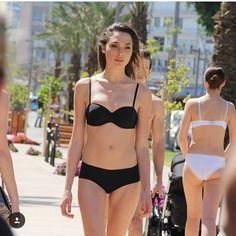 いいね!1,631件、コメント10件 ― Gal❤️❤️❤️さん(@glamorous_gal_gadot)のInstagramアカウント: 「#Galgadot in a #bikini is so #hot #gal #sexy #cute #jl #justiceleague #wonderwoman #amazing #dc」