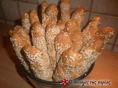 Πεντανόστιμα τυροκριτσίνια #sintagespareas Greek Recipes, French Toast, Bread, Breakfast, Food, Cookies, Morning Coffee, Crack Crackers, Brot
