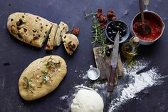 Das Rezept für Pizzabrot mit allen nötigen Zutaten und der einfachsten Zubereitung - gesund kochen mit FIT FOR FUN