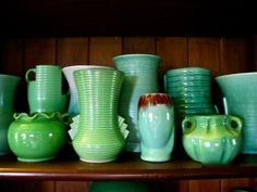Liz's green pottery collection: LOVE the art deco vase at the back on the left Vintage Shops, Vintage Antiques, Polish Pottery, Vintage Pottery, Home Decor Furniture, Luster, Furnitures, Objects, Art Deco