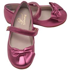 Pampili fuchsia glossy shoes just for your little lady. The Mary Jane flats come with a hook and loop strap for a perfect fit and a bow adornment for a chic look. Enchanting shoes will beautifully complement her outfits.