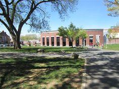 Artículo 90.- En la Universidad, el cambio de un campus a otro se considera como una transferencia interna de estudiantes, por lo que no existirá para éstos menoscabo de los derechos académicos adquiridos.