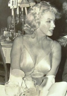 """Marilyn Monroe at the premiere for """"The Prince & The Showgirl"""" 1957"""