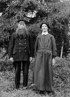 Mr and Mrs Lööw, Fredhäll, Uppland, Sweden by Swedish National Heritage Board, via Flickr