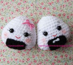 HandmadeKitty: FREE Kawaii Onigiri Couple Amigurumi Crochet pattern by HandmadeKitty Crochet Kawaii, Crochet Food, Crochet Gifts, Cute Crochet, Knit Crochet, Crochet Motif, Crochet Amigurumi Free Patterns, Crochet Dolls, Crochet Keychain Pattern