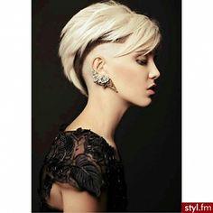 Bardzo krótko - bardzo trendy! Krótkie fryzury damskie | Styl.fm