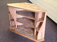 Diy woodworking Diy woodworking in 2020 House Furniture Design, Unique Furniture, Furniture Making, Diy Furniture, Easy Woodworking Projects, Woodworking Furniture, Diy Wood Projects, Wood Pallet Furniture, Wood Pallets