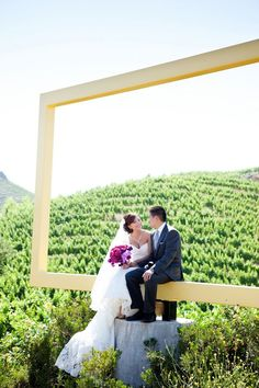 A Spectacular Outdoor Wedding in Malibu | OneWed (via yourpersonalceremony.com)