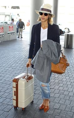 How to put together the perfect travel outfit