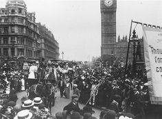 April 1909: Suffragette prisoners passing the houses of parliament in London after their release from Holloway prison. | 28 Powerful Pictures Of Women Fighting For Their Right To Vote