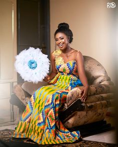 African Traditional Wedding, Traditional Outfits, Kente Dress, Kente Styles, African Print Fashion, African Wear, Bridal Style, Wedding Gowns, Marie