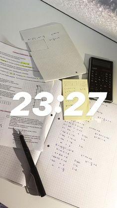 Study Pictures, Study Photos, Colegio Ideas, Study Organization, School Study Tips, Work Motivation, Study Space, Study Hard, School Notes
