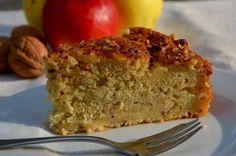 Une recette suédoise d'un gâteau bien moelleux et parfumés aux pommes et noisettes. Il est vraiment délicieux et encore meilleur servi tiède avec une boule de glace à la vanille. Ingrédients pour 6 personnes: 125g de beurre 125g de sucre en poudre 2 oeufs...