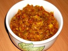 Varza gustoasa A-la-Hindi Indian Food Recipes, New Recipes, Ethnic Recipes, Indiana, Chapati, Vegetable Recipes, Chili, Cabbage, Food And Drink