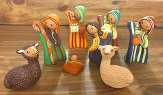 Un favorito personal de mi tienda Etsy https://www.etsy.com/es/listing/242875186/ethnic-and-vintage-nativity-set-8-pieces