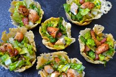 Caesar salad parmesan cups recipe little bites салаты, рецеп Baby Shower Finger Foods, Party Finger Foods, Sin Gluten, Gluten Free, Finger Food Menu, Quinoa, Feta, Bowls, Salad Recipes