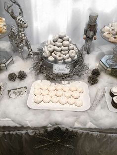 New Ideas For Party Winter Wonderland Food Ideas Winter Wonderland Christmas Party, Winter Wonderland Decorations, Winter Wonderland Theme, Christmas Party Themes, Baby Shower Winter Wonderland, Xmas Party Ideas, Winter Party Decorations, Snowflake Baby Shower, Christmas Baby Shower