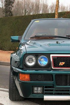 HF Integrale ooooh yes! Maserati, Ferrari, Lancia Delta, Retro Cars, Vintage Cars, Van 4x4, Automobile, Hatchback Cars, Old School Cars