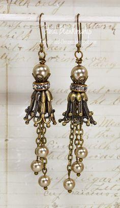ButterBeeScraps - Beautiful Dangle Earrings
