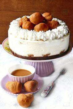 Mousse cheesecake alla ricotta con mini babà al caffè