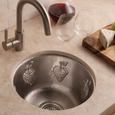The Native Trails Grapes Drop In/Undermount Bar Sink is an artisanal design that pays homage to the beauty of the vineyard. This hand-embossed. Copper Farmhouse Sinks, Copper Kitchen, Rustic Kitchen, Kitchen Decor, Kitchen Design, Undermount Bar Sink, Kitchen Cabinet Kings, Copper Bar, Hammered Copper