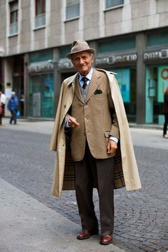 Old is Gold!! :D      On the Street…..Near the Duomo, Milano « The Sartorialist