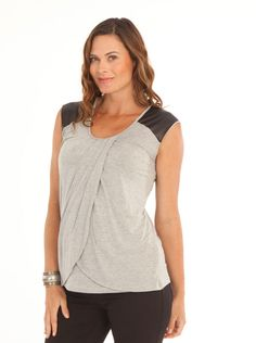 Fitness ideas for moms. Whenever it relates to easy fitness exercises, you do not always have to attend a health club to achieve the full effects of working out. You are able to tone, shape, and change your physique in a few basic steps. Sew Nursing Top, Nursing Wear, Nursing Clothes, Maternity Work Clothes, Maternity Nursing, Basic Wardrobe Pieces, Breastfeeding Tops, Tunic Tops, How To Wear