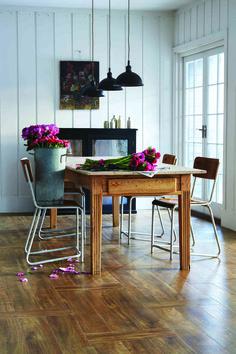Amtico Signature, Farmhouse Oak. Available in Yorkshire from www.styleflooringofyork.co.uk - an approved Amtico design centre #amtico #flooring #yorkshire #diningroom