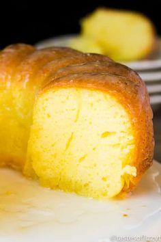 Easy Lemon Pound Cake Recipe using a white cake box mix and lemon jello Low Carb Sweets, Low Carb Desserts, Low Carb Recipes, Free Recipes, Vegetarian Recipes, Easy Recipes, Soup Recipes, Healthy Recipes, Lemon Desserts