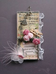pretty in pink altered mousetrap. Mouse Trap Diy, Mouse Traps, Decorated Clipboards, Homemade Gifts, Diy Gifts, Trap Art, Altered Cigar Boxes, Rat Traps, Note Holders